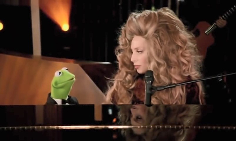 [Critique] Lady Gaga et the Muppets' Holiday Spectacular