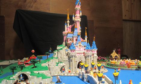 Guillaume Roussel, Créateur de la Réplique de Disneyland Paris en LEGO