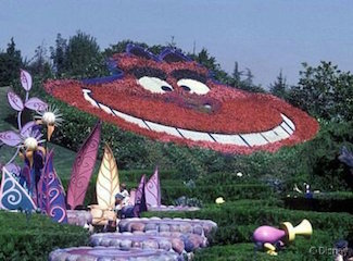 Alice S Curious Labyrinth Attraction Fantasyland