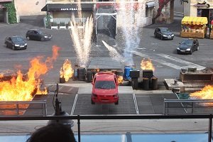 Moteurs action stunt show spectacular disneyland paris for Garage export voiture paris